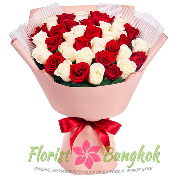 30 Red and White Roses from Florist-Bangkok - Online Flower Delivery Bangkok